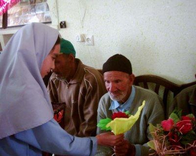 رفتار با سالمندان:حمایت جامعه و دولت :