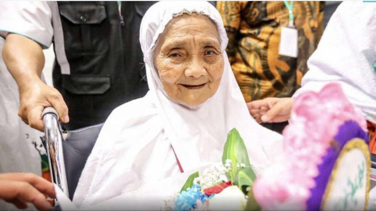 مسن ترین زائر حج تمتع امسال 104 سال سن دارد